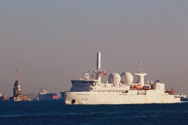 造价很昂贵,法国一间谍船抵达俄罗斯周边,曾试图压制S-400