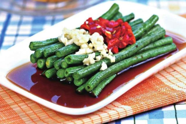 掌握这几个小秘诀,包你做出的豇豆清爽脆嫩,让人胃口大开