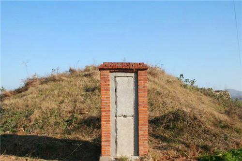曾称霸中国的战神,死后却葬在偏远山村,如今杂草丛生无人问津