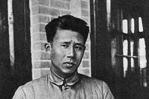 四野大军南下,叶问抛妻弃子逃亡香港,终身不提之前10年的经历