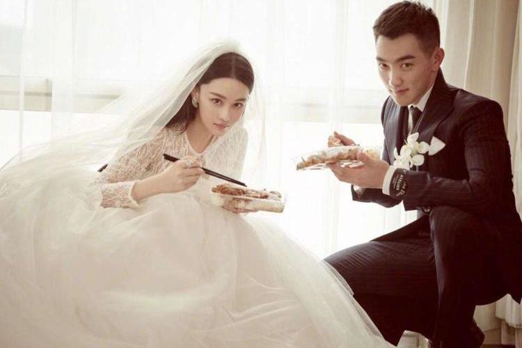 """张馨予婚后变""""拼命三娘""""?看到何捷工资单,瞬间懂了"""