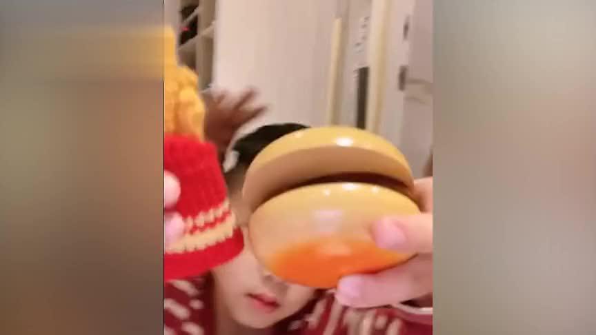 陈建州晒聚会照与范玮琪肤色差感人,贾静雯素颜难掩疲惫!