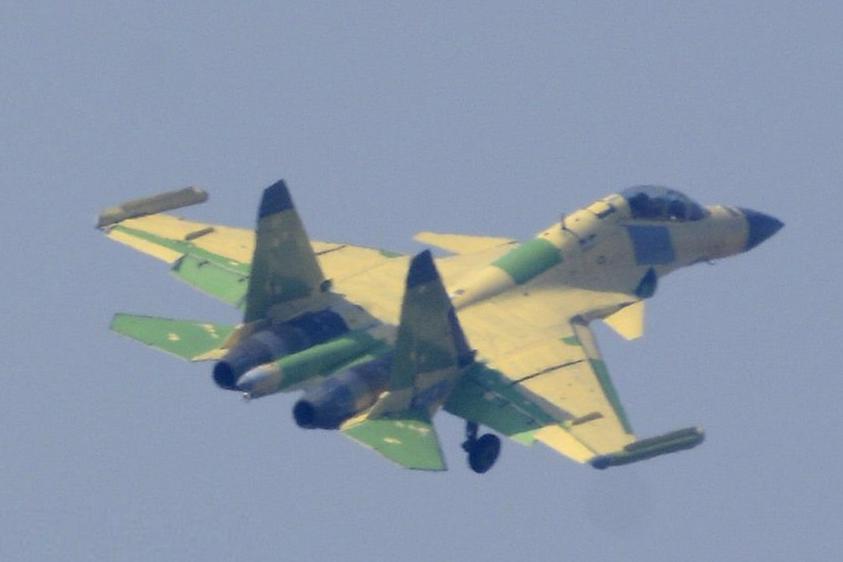 """国产航母""""电子战机""""来了:歼-15D可以对标EA-18G吗?"""