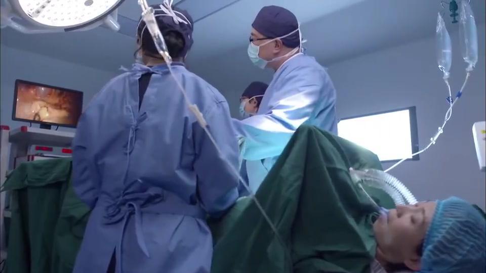 产科:主任切盲肠过程,高清影像太厉害,一边手术还能一边开玩笑