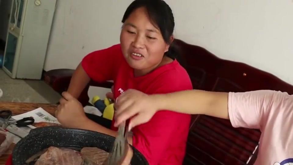 胖妞自制番茄汁配牛排,吃的就是享受!