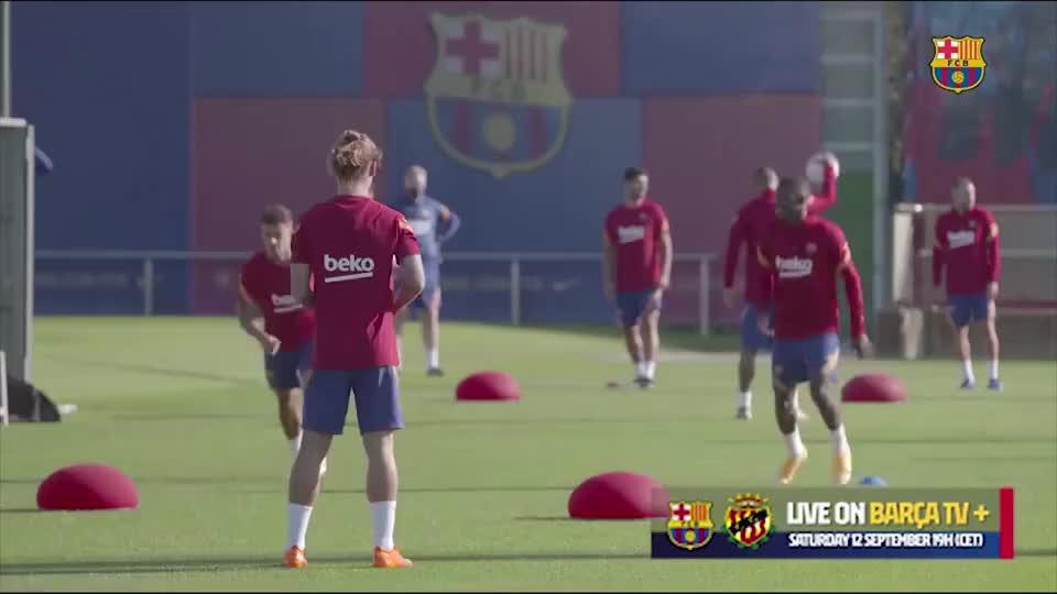 巴萨主帅科曼的训练方式:全队集体练平衡,梅西练头球?