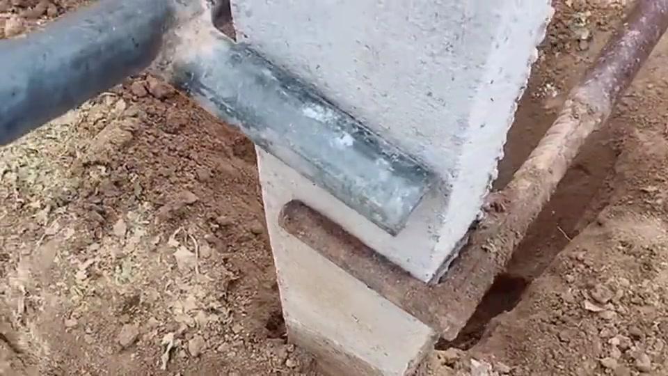 大叔发明的起柱子工具,有人让他申请专利,但是被拒绝了!