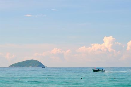 海南有很多小众海边,景美人少,知道的人不多,都去过的更少