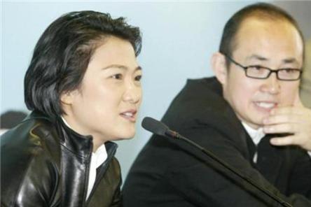 中国送她出国留学,名校毕业后入外籍,捞金16亿,捐6亿给美国