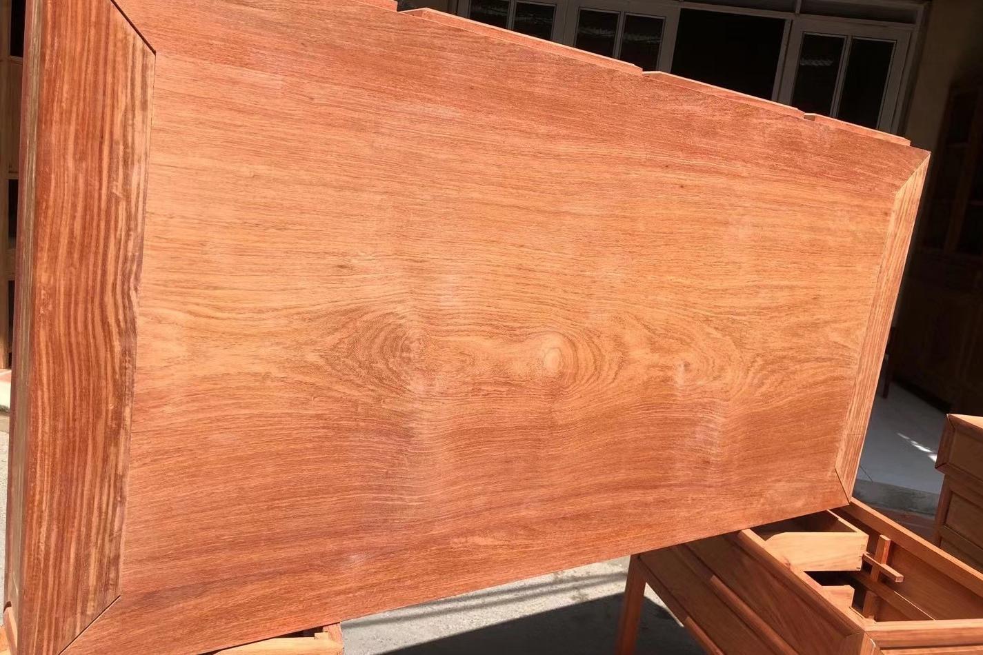 木工师傅教你辨别大果紫檀(缅甸花梨)最有效方法