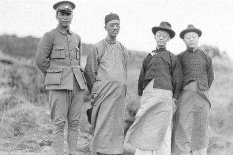 去苏俄考察之后,在黄埔军校筹建之初,蒋介石为什么辞职