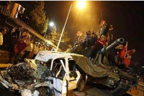 埃尔多安担忧随时被军事政变赶下台,这一次不竟是土耳其军队主谋