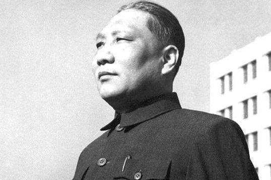 他本是南京军区老领导,后女儿在南京分了套房,却被他勒令退回去