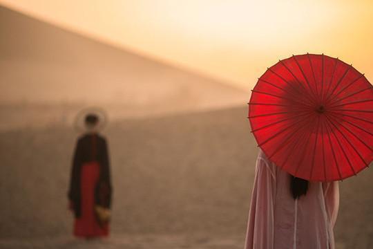 歌妓欲从良,求苏轼向太守写诗明志,苏轼写下史上最著名的藏头词