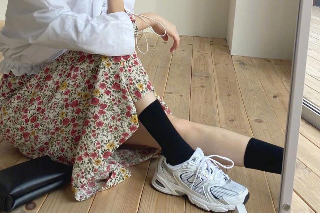 """简约舒适的运动鞋,带你勇攀时尚""""巅峰"""",值得借鉴"""