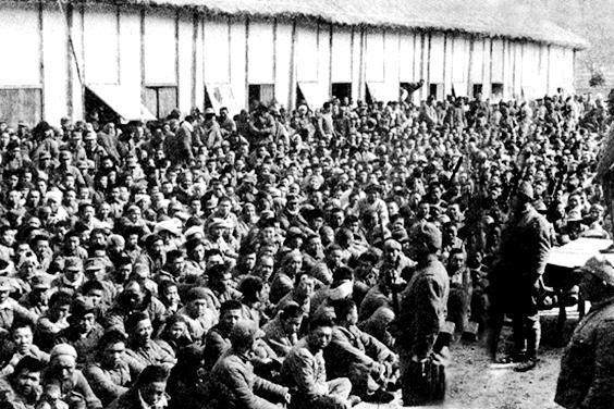 南京大屠杀时难民需过五关 一点不符便遭屠杀 人耳挂满了电线杆