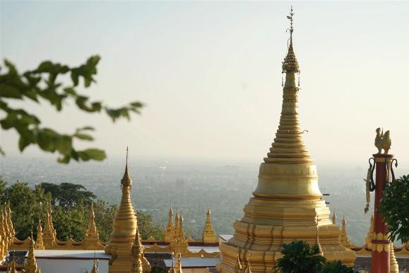 实拍缅甸曼德勒,有自然风光也有古朴佛塔,看起来格外迷人