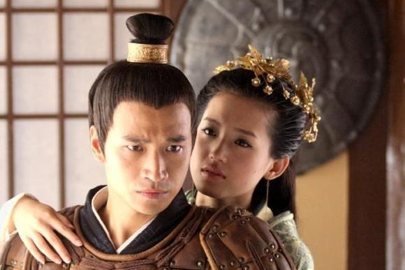 11岁被迫嫁给舅舅当皇后,婚后29年未怀孕,死后入殓时才得到真相