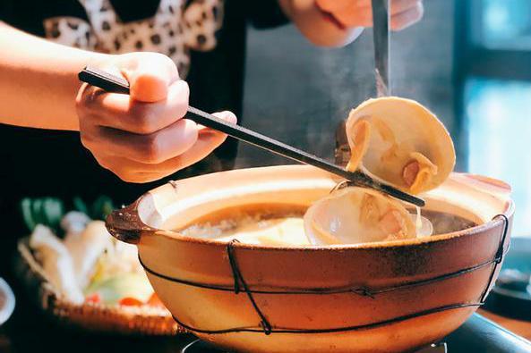 花胶海鲜老母鸡,港式打边炉里的胶原蛋白,真的比精华液还管用?