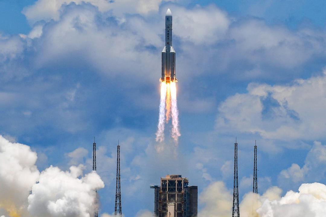 NASA毅力号成功发射,为何它能比天问一号提早3个月登陆火星?