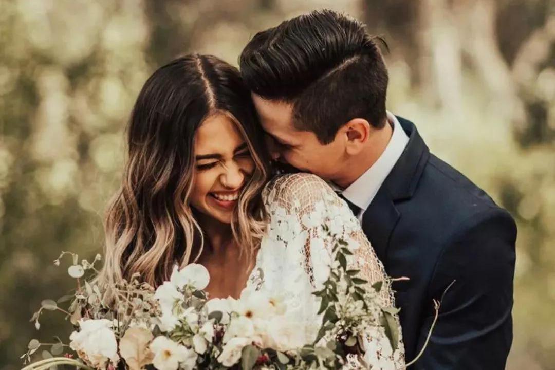 婚纱照攻略 | 传统婚纱照和旅拍哪个好?