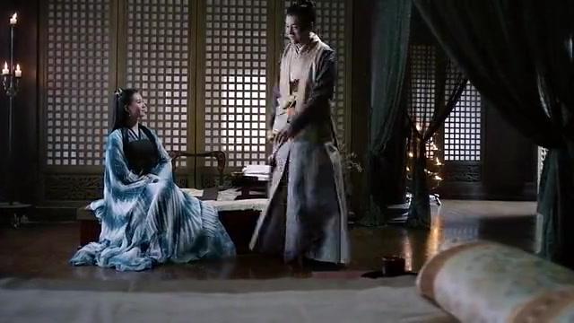 醉玲珑:元湛给卿尘来送药,元湛追问她何时为自己弹奏一曲