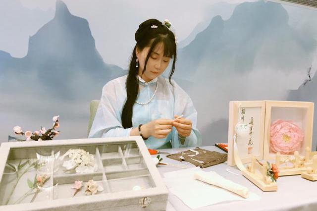 被施了魔法的扬州博物馆里百花盛开,不谢之花的背后藏了多少秘密