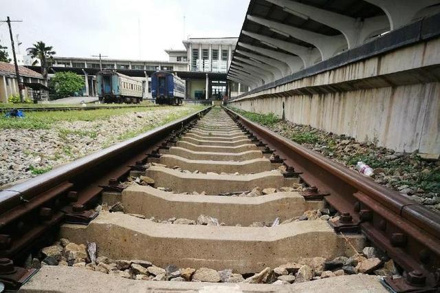 中国免费帮非洲修的坦赞铁路,却成了废铜烂铁