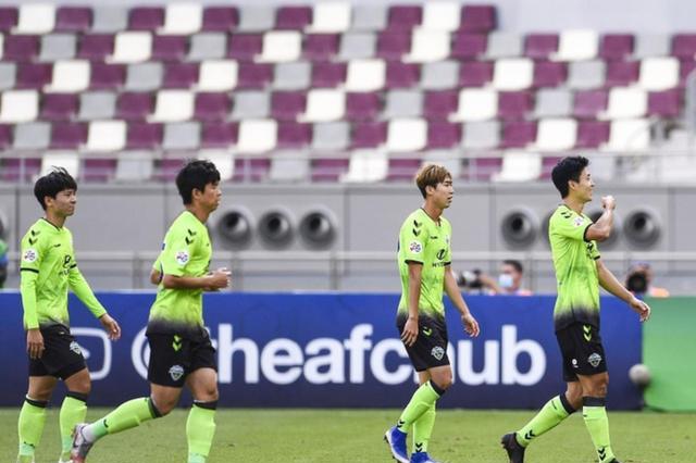 亚冠联赛!上海上港0-2韩国K联赛冠军!上港被判点球