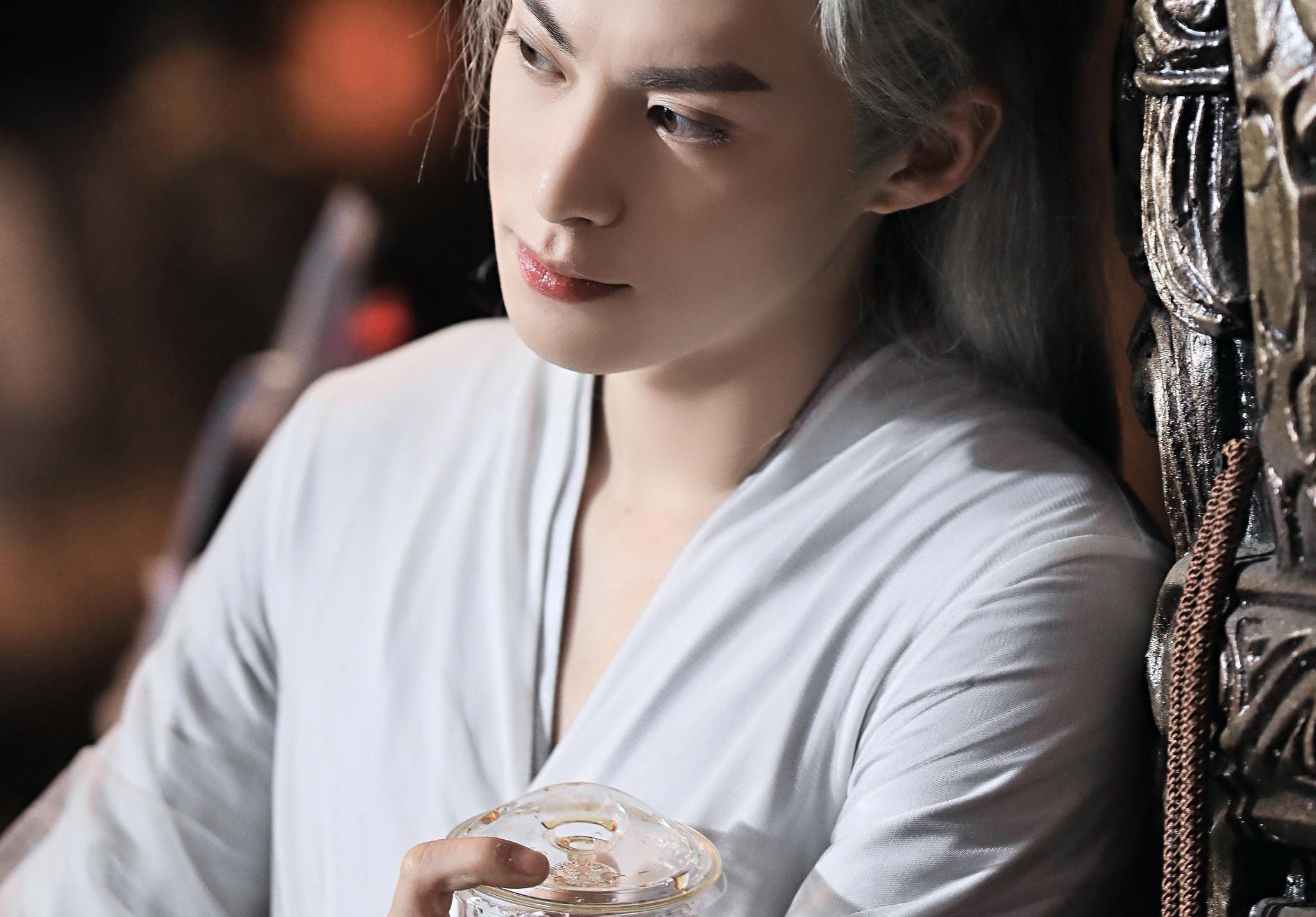 遇龙和山河令居然是一个妆发团队,王鹤棣龚俊同样造型,差别太大