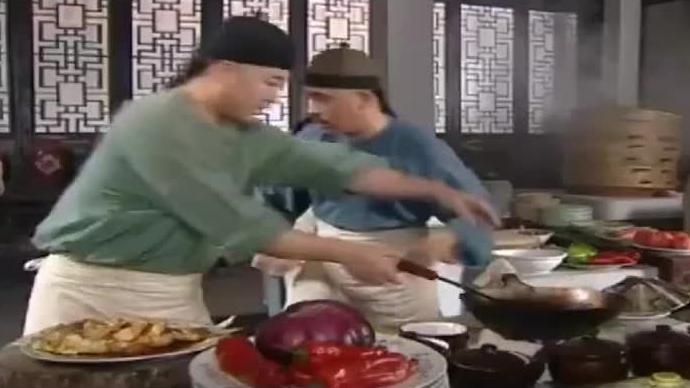 皇帝在民间厨房吃饭,厨师上了道鲤鱼焙面后太后直接赐他件黄马褂