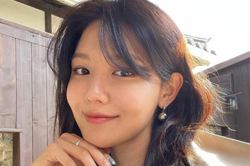 少女时代成员崔秀英SNS发照秀出众美貌