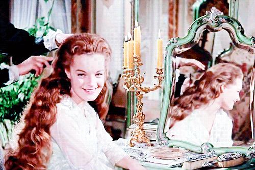 历史上真实的茜茜公主,腰围满50cm就绝食,这才是真正的小蛮腰