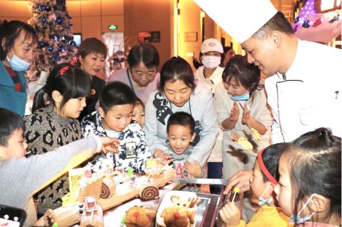 西安印力诺富特酒店2020圣诞点灯仪式 & 慈善义卖市集