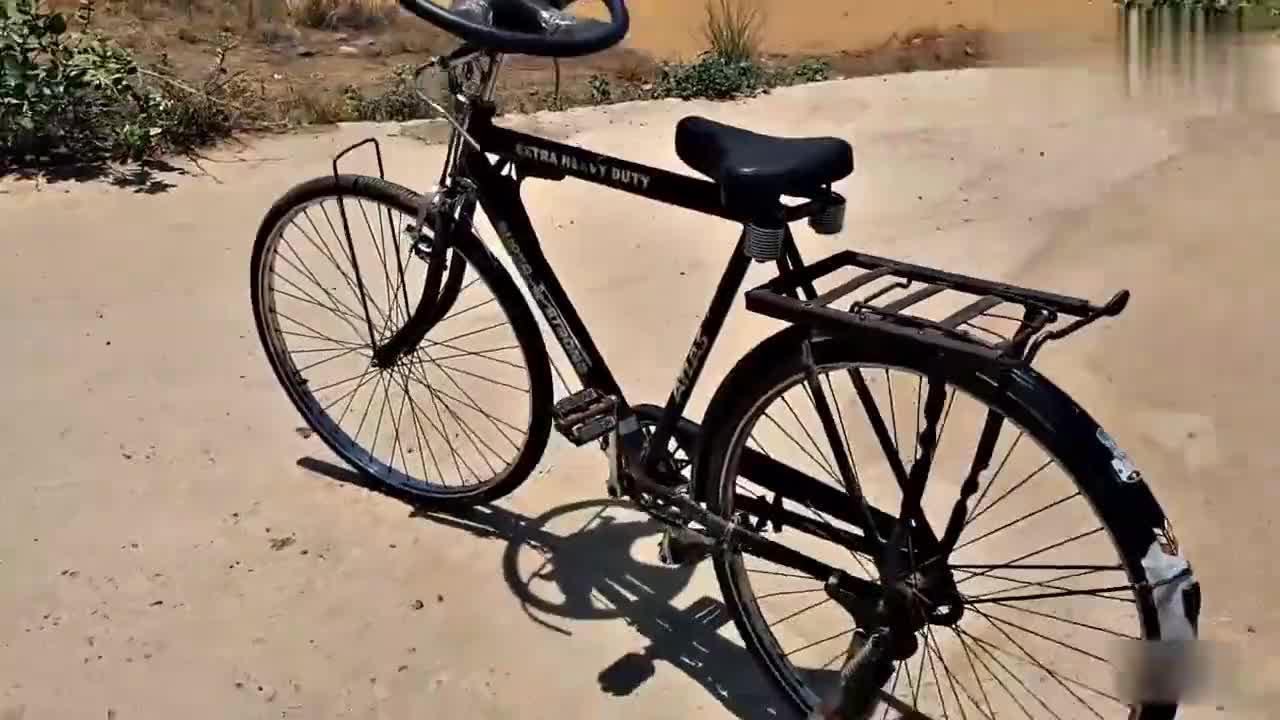男子脑洞大开给自行车焊上方向盘,没想到上路效果还挺不错的!
