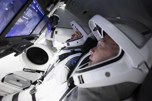 有品众筹Haylou智能手表;SpaceX载人飞船宇航员标配苹果iPad