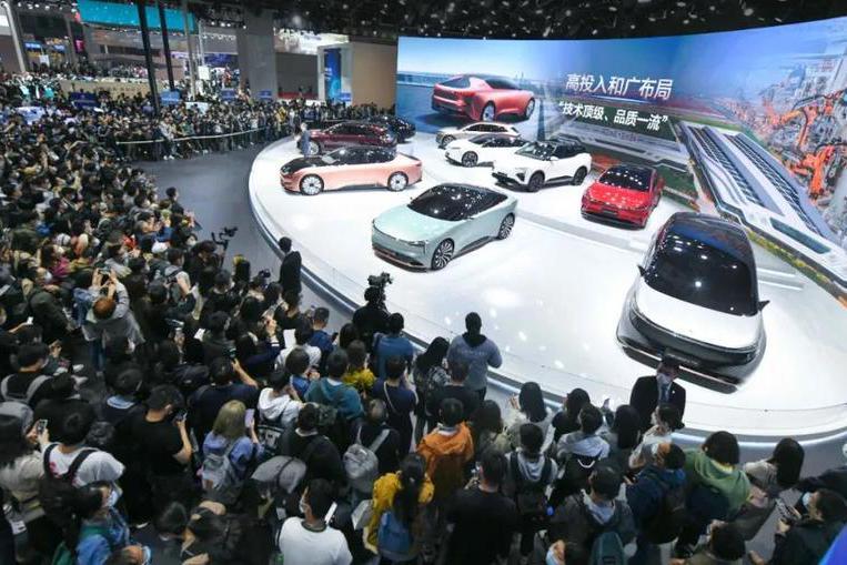 九款新车登场、恒驰5首次试驾后,我们专访了恒大汽车总裁刘永灼