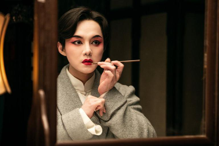 央视盘点明星京剧扮相,刘亦菲赵丽颖入选,易烊千玺年龄最小