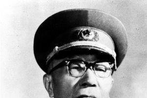 辽沈战役中,参加塔山阻击战的有几个纵队?司令员都是谁?