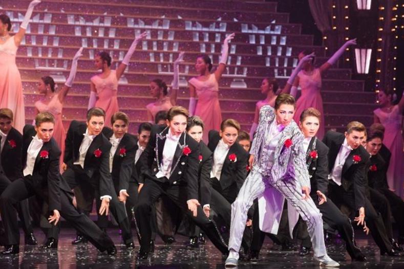学姐学妹等级太森严,日本宝冢音乐学校改进传统培养方式