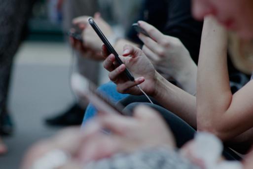 胡泳:疫情危机与社交媒体的双向影响