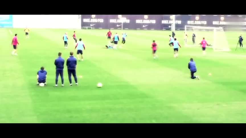 到哪都是焦点,足坛风光无限的梅西C罗,训练场上也是逆天的存在