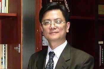 """""""网红""""教授郑强意外走红:我教了你们跑去国外,祖国谁来建设?"""