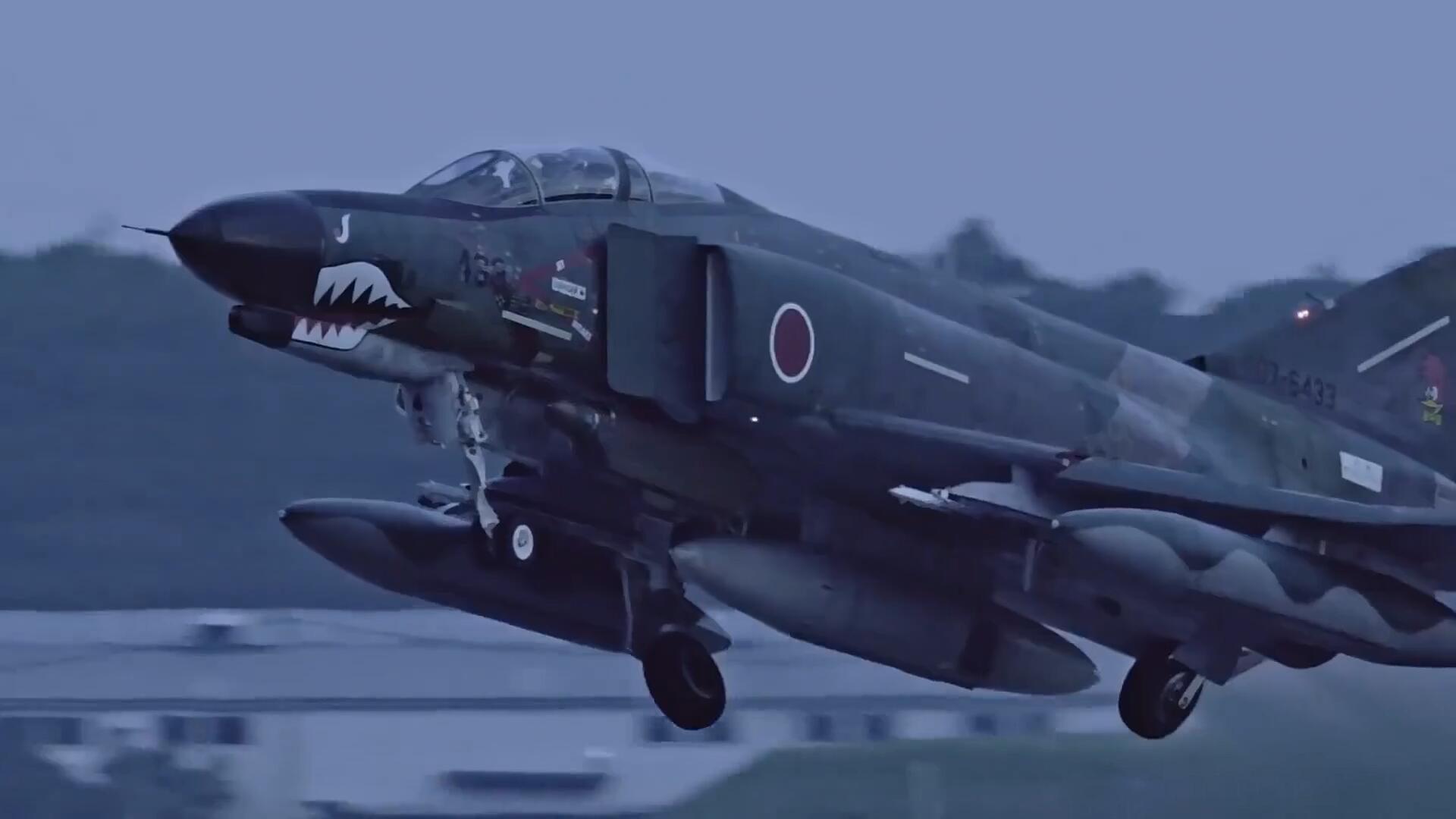"""道格拉斯F-4""""鬼怪""""战斗机,百里空军基地夜间飞行镜头!"""