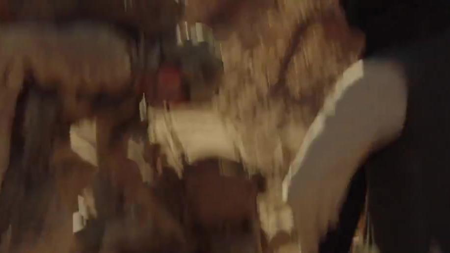 凶狠的塔利班武装疯狂围歼特种部队热血战斗场面看得大呼过瘾!
