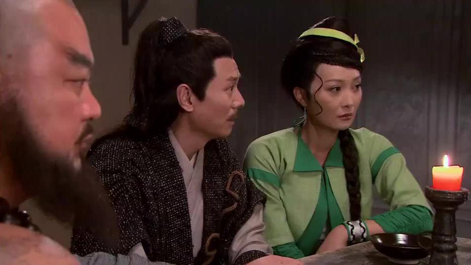 宋江脸色难看,众兄弟都反对招安,梁山这是要散伙啊!