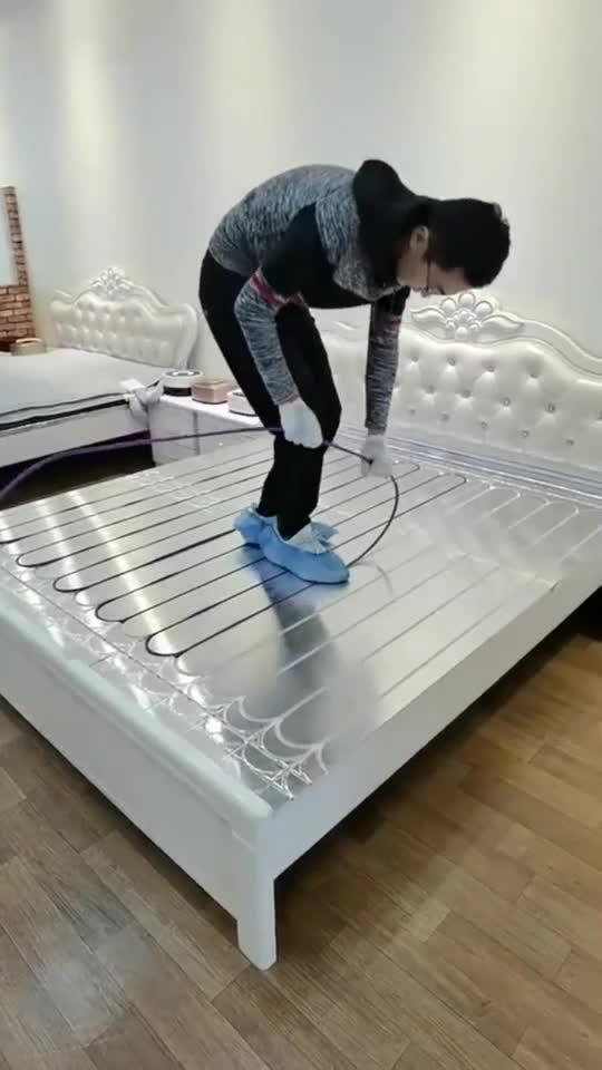 这种床适合北方,底下铺上电热管,房间暖气费都省了!