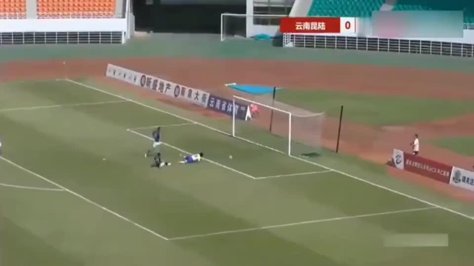 中乙联赛再现史诗级单刀球!《疯狂的足球》又有全新素材了!