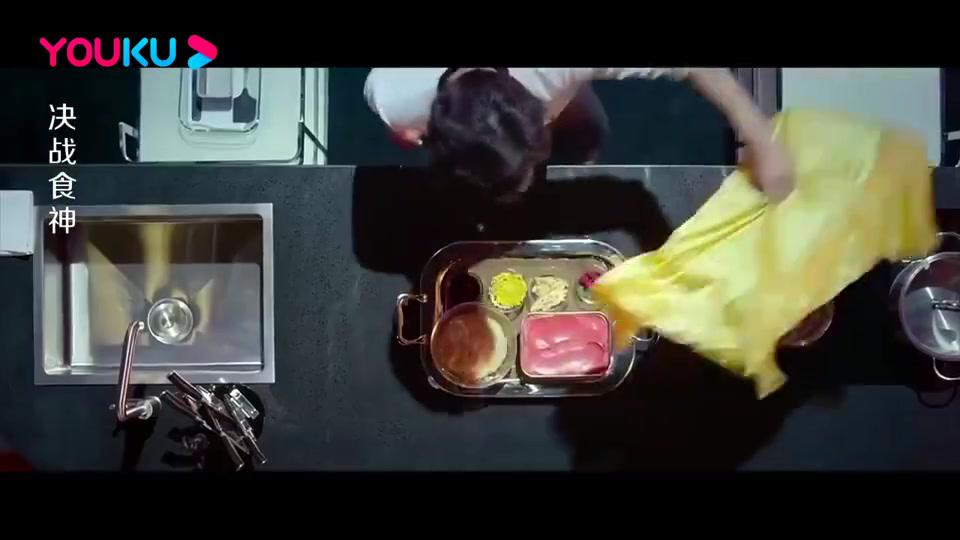 决战食神:厨师做荷包鸭,鸭子骨肉分离,竟然做到没切破鸭皮