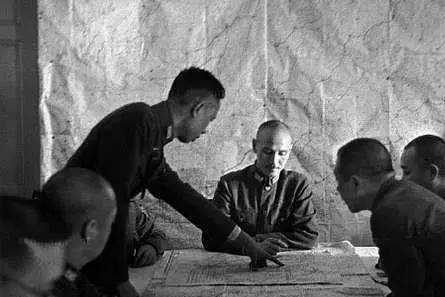 此人3次想拉蒋介石下马,日军攻打南京时,只有他表示要死守南京